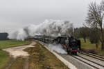 BR 01/531397/01-2066-7-des-bayerischen-eisenbahn-museums 01 2066-7 des 'Bayerischen Eisenbahn Museums' auf dem Weg nach Salzburg. Aufgenommen am 3. Dezember 2016 bei Grabenstätt am Chiemsee.