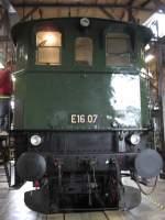 Lokwelt-Freilassing/18543/e-16-07-ausgestellt-in-der E 16 07 ausgestellt in der 'Lokwelt Freilassing'.
