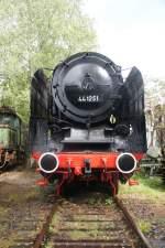 Hermeskeil/167172/44-1251-ist-eine-der-besser 44 1251 ist eine der besser erhaltenen Lokomotiven im Eisenbahn-Museum von Hermeskeil. Aufgenommen am 27. August 2011.