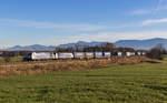 lokomotion-9/531443/185-662-und-189-914-mit 185 662 und 189 914 mit dem 'Intercombi' am 10. Dezember 2016 bei Rann.
