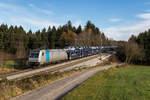 Railpool/531419/185-677-2-mit-einem-autozug-aus 185 677-2 mit einem Autozug aus Freilassing kommend am 20. November 2016 bei Grabenstätt.